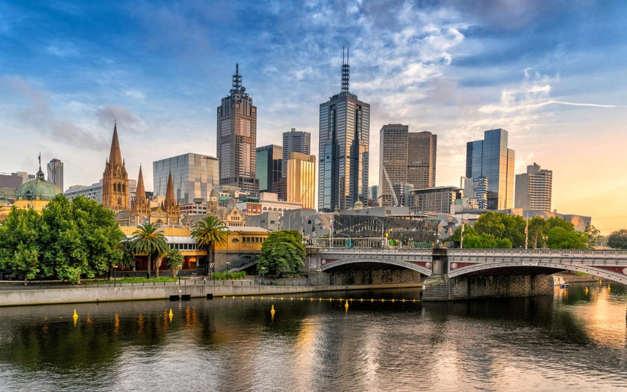 https://buddhatravel.com.au/assets/uploads/package/2019-08-20-03-21-42-melbourne.jpg