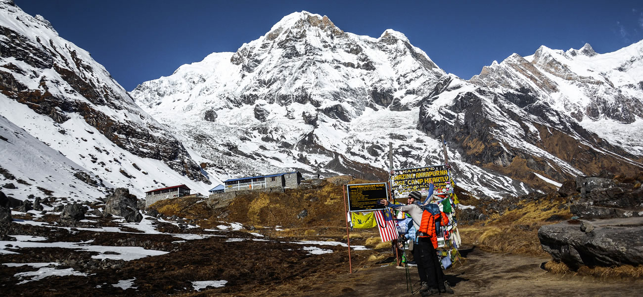 https://buddhatravel.com.au/assets/uploads/package/2019-08-20-03-49-25-annapurna-base-camp-trekking.jpg